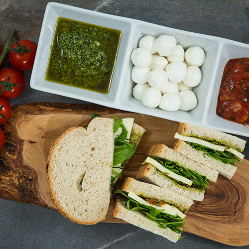 Mozzarella & Pesto sandwich